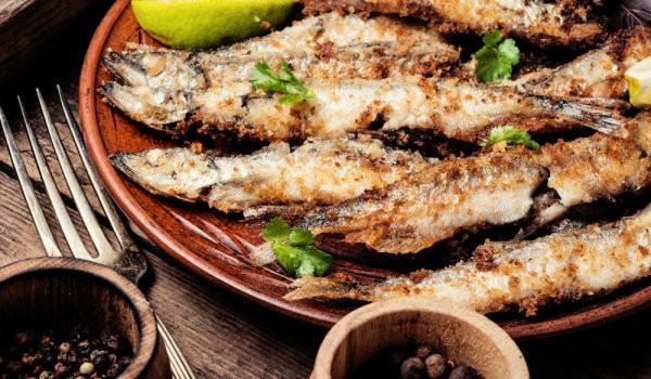 ПОЛЕЗНЫЕ СОВЕТЫ: при приготовлении мелкой рыбы