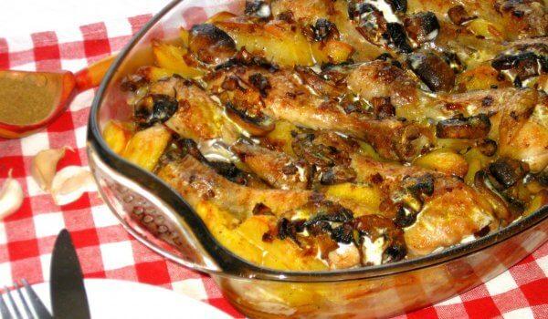 КУРИЦА: с грибами и картофелем